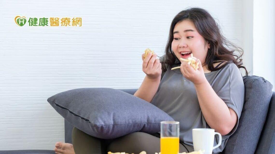 以善纖達Saxenda進行居家減重管理,臨床效果顯示逾6成肥胖患者體重可下降 ≥5%,搭配飲食習慣調整更能加速減重效率