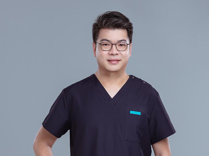 抽脂補脂 / 眼整形達人李博文醫師